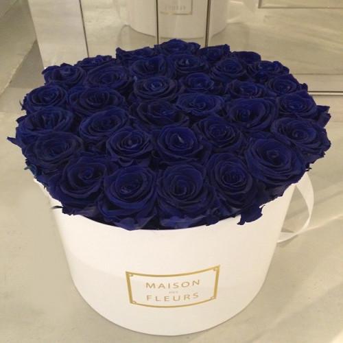 Купить на заказ Синие розы в коробке Maison с доставкой в Нур-Султане