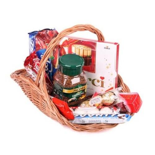 Купить на заказ Кофейно-конфетная корзина с доставкой в Нур-Султане