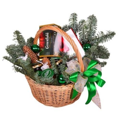 Купить на заказ Корзина «Подарок под елку» с доставкой в Нур-Султане