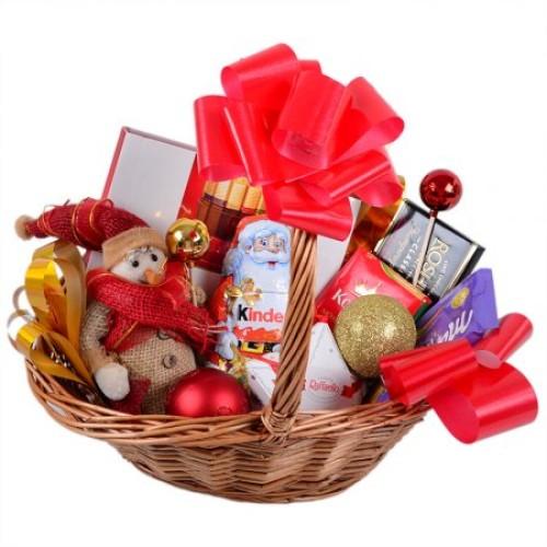 Купить на заказ Корзина с подарками с доставкой в Нур-Султане