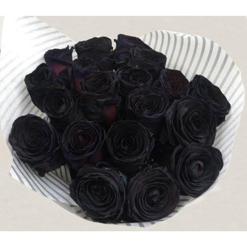 Купить на заказ 15 черных роз с доставкой в Нур-Султане