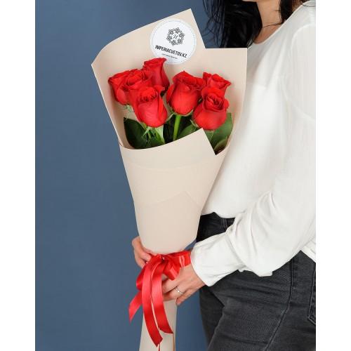 Купить на заказ Букет из 7 красных роз с доставкой в Нур-Султане