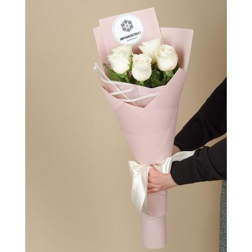 Купить на заказ Букет из 5 роз с доставкой в Нур-Султане