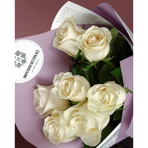 Купить на заказ Букет из 7 белых роз с доставкой в Нур-Султане