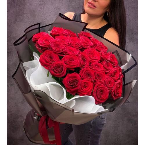 Купить на заказ Букет из 35 красных роз с доставкой в Нур-Султане