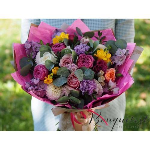 Купить на заказ Цветочный микс из гвоздик  с доставкой в Нур-Султане