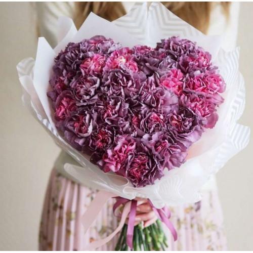 Купить на заказ Сердце из звоздик с доставкой в Нур-Султане
