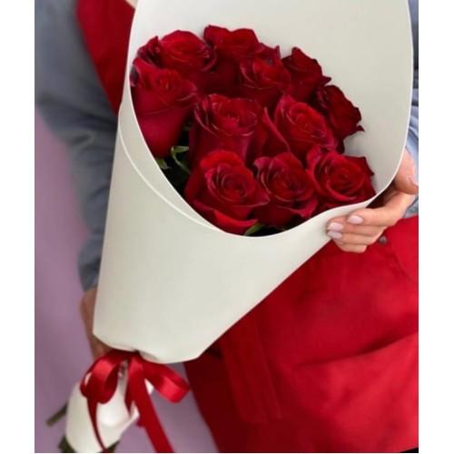 Купить на заказ Букет из 11 красных роз с доставкой в Нур-Султане