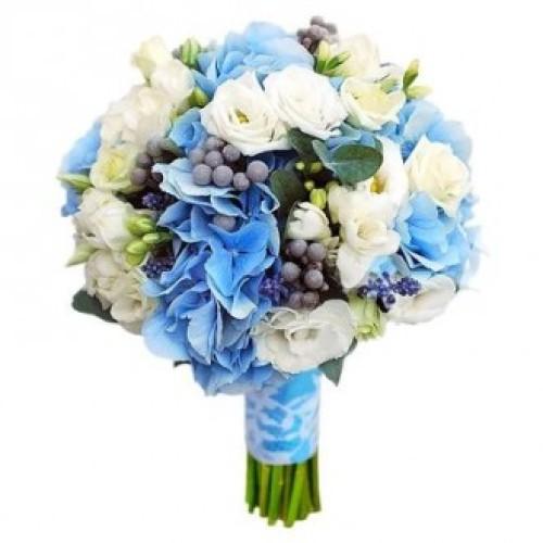 Купить на заказ Букет невесты из гортензий, фрезий и эустом с доставкой в Нур-Султане