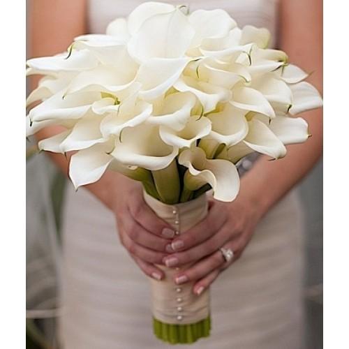Купить на заказ Букет невесты из 37 калл с доставкой в Нур-Султане