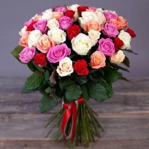 Купить на заказ Букет из 31 розы (микс) с доставкой в Нур-Султане