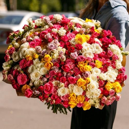 Купить на заказ Букет из 101 спрей розы с доставкой в Нур-Султане