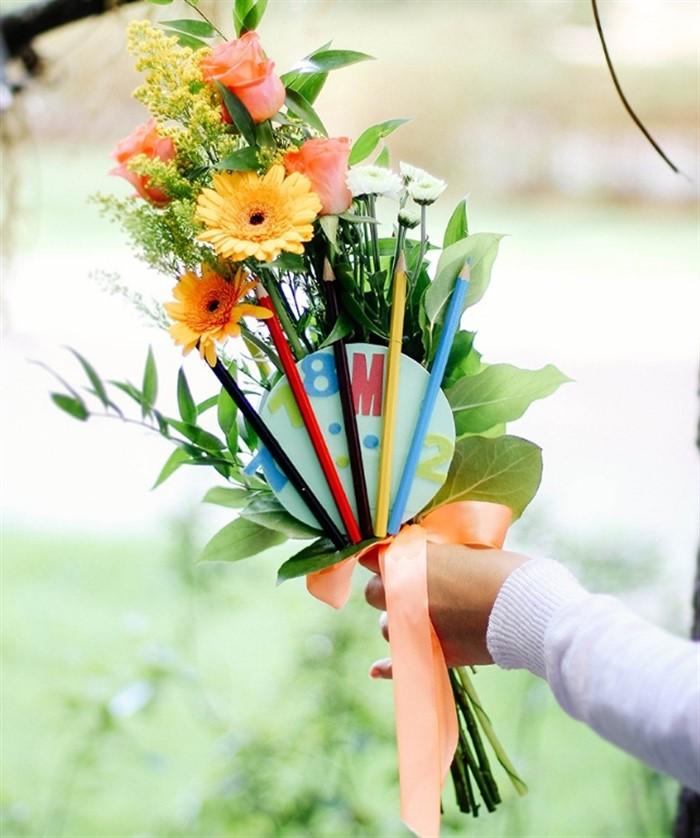 Картинка класса с цветами